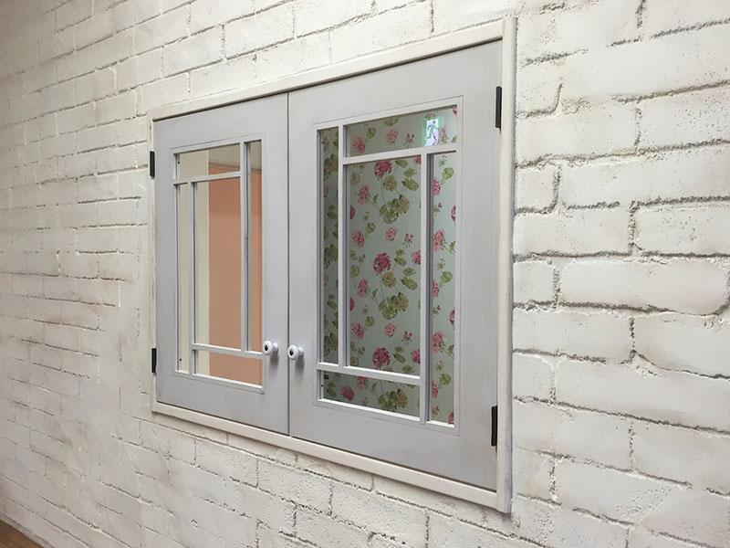 店舗施工例 2-10 オーダー窓 モルタル造形