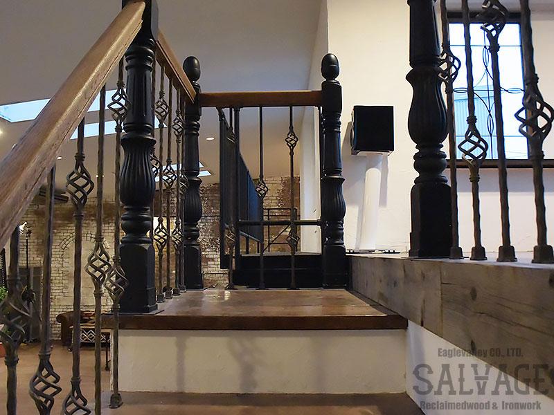 スタジオ施工例 5-08 ロフト階段 手摺り アイアンブラケット