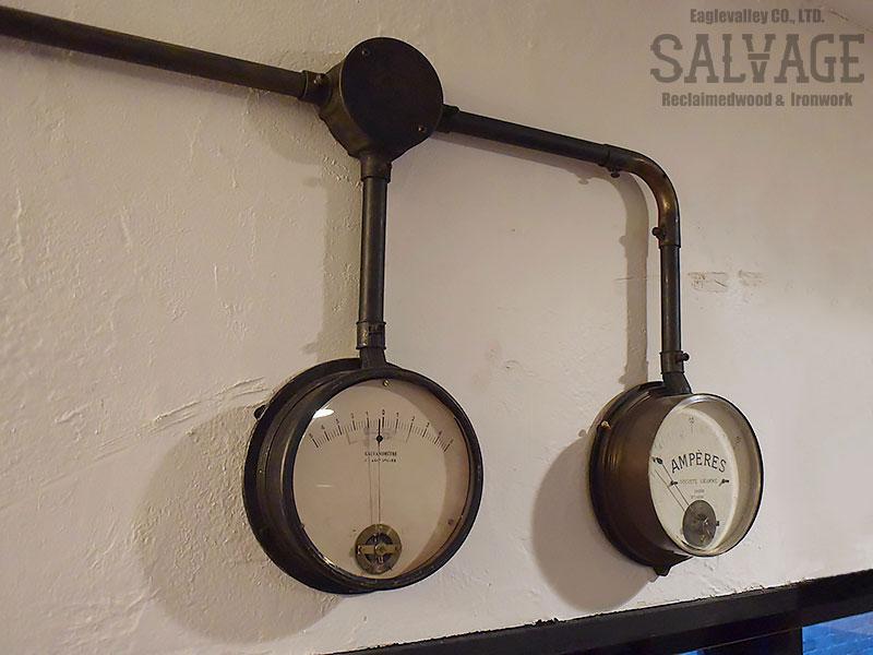 スタジオ施工例 5-11 露出配線 ガス管