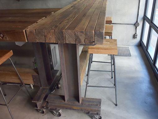 店舗施工例 3-09 古材カウンターテーブル