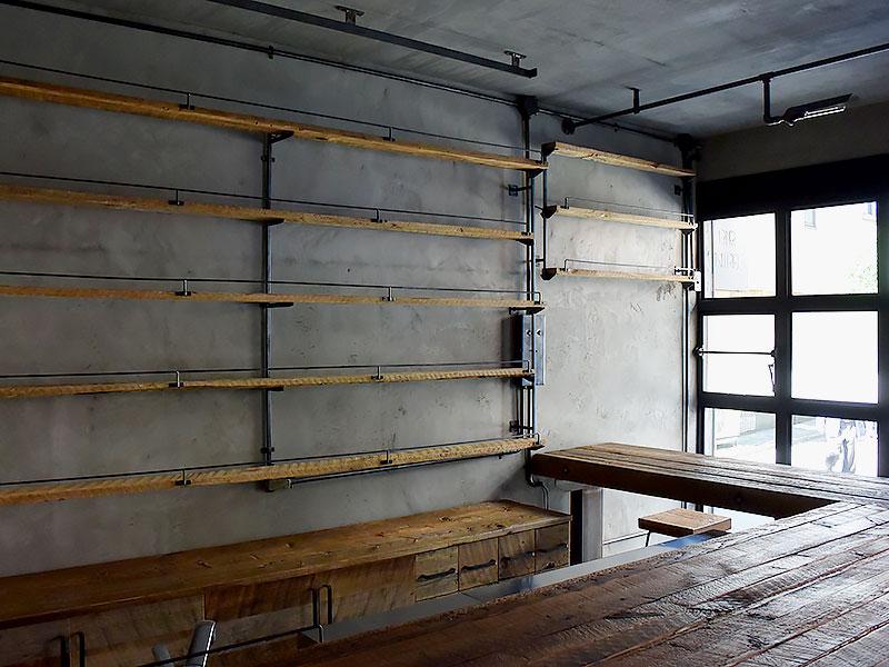 店舗施工例 3-07 古材を使用した店舗什器