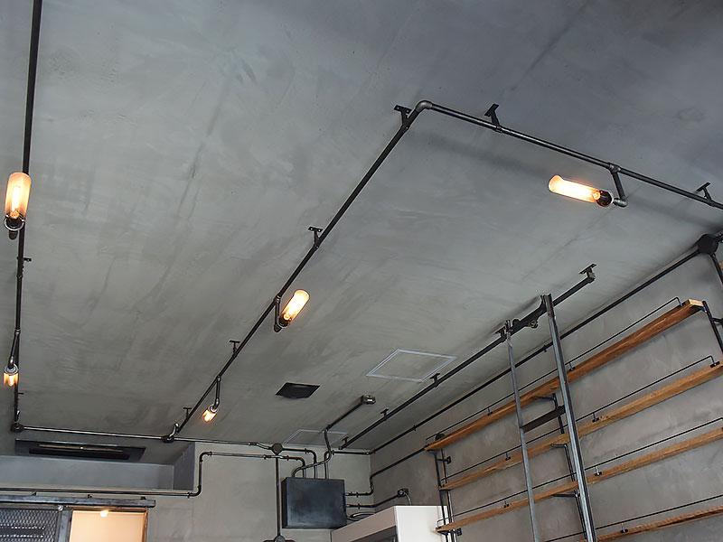 店舗施工例 3-18 インダストリアル照明 ガス管照明
