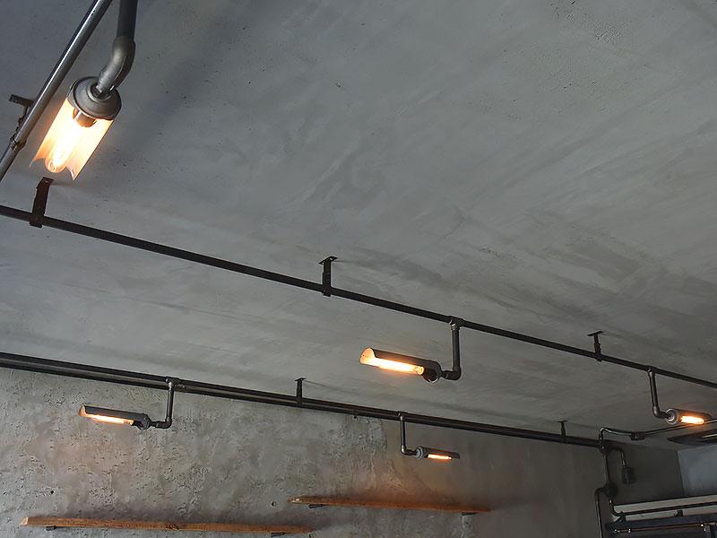 店舗施工例 3-19 インダストリアル照明 ガス管照明