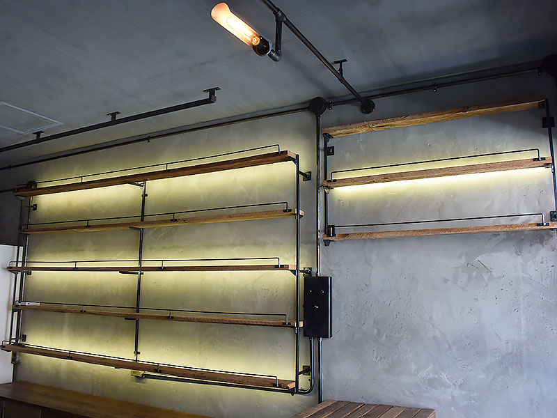 店舗施工例 3-15 古材使用の店舗什器