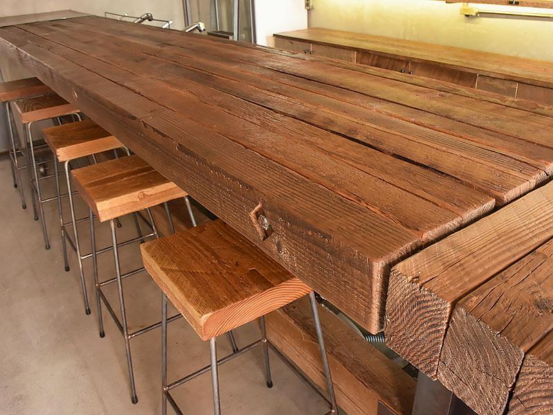 店舗施工例 3-14 古材カウンターとスツール
